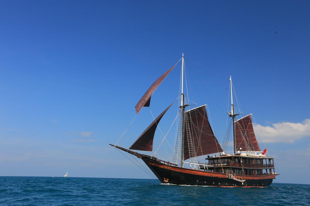 day-2-sailing-and-racing-25